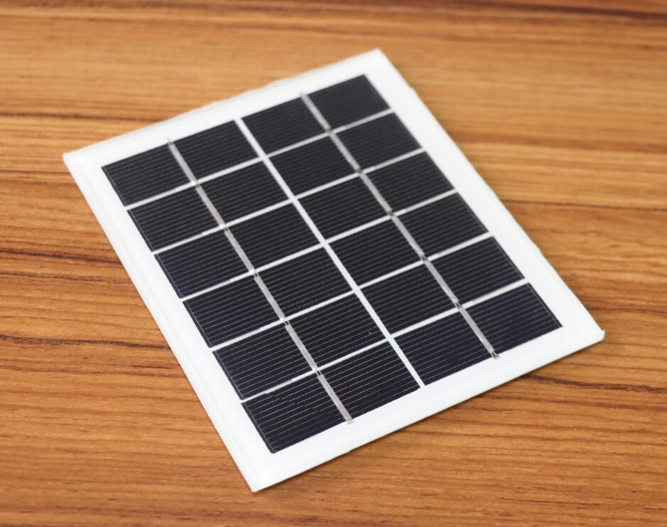 Apple and Samsung have made a bet. How far is the solar cell phone from us?